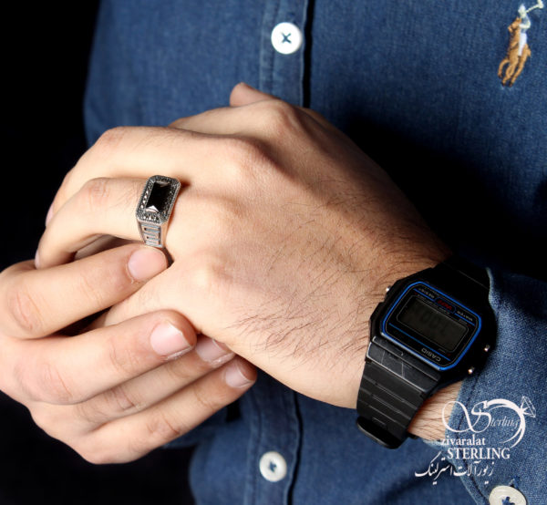 انگشتر نقره مردانه ورساچ کد:۱۴۳۹