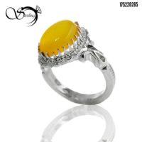 انگشتر نقره با نگین عقیق زرد ( شرف الشمس) کد:۲۵۶۸