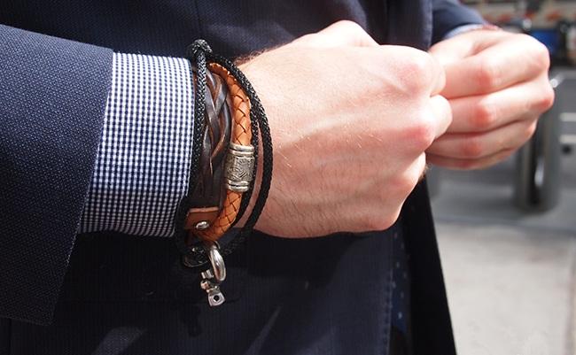 قوانین استفاده از زیورآلات مردانه-دستبند